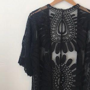 Black Long Lace Embroidered Kimono